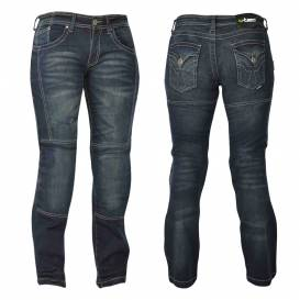 Women's jeans on a W-TEC Theo motorcycle